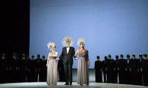 Karola Sophia Schmid (Flore), Christoph Woo (Le Temps),Fiorella Hincapié (Melpomène)+Ensemble/Toto: Olaf Struck