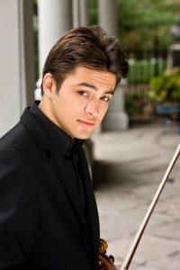 Ein Moment mit ... Asi Matathias. Das Ausnahmetalent auf der Geige gibt am kommenden Freitag sein Debüt in Berlin