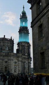 """""""Lebensatem/Dresden"""" - eine Lichtinstallation zum Gedenken an die Luftangriffe vor 70 Jahren. Ein Moment mit ... dem Künstler Stuart Williams"""