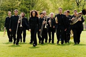 Konzert am Valentinstag: Das Blechbläser-Ensemble LINDENBRASS unternimmt eine musikalische Reise von Berlin nach New York. Zwei Kurzinterviews.