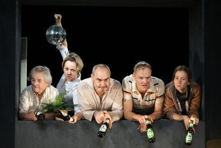 """Theater: """"Unter dem Milchwald"""" von Dylan Thomas am Metropol Theater München"""