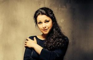 Ein Moment mit ... Pianistin und Komponistin Marina Baranova. Gewinnen Sie Tickets für Ihr Konzert in München!