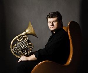 Im Jahr des Horns: Einzigartige Konzerte in der Philharmonie Berlin mit Radek Baborák und dem Sinfonie Orchester Berlin