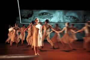 """""""Requiem"""" von Wolfgang Amadeus Mozart an der Oper Leipzig. Ballett von Mark Schröder"""