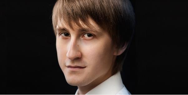 Dmitry Masleev: Der junge Pianist, Gewinner des Tschaikokowsky-Wettbewerbs, kommt nach Deutschland. Vorher sprach er mit dem Feuilletonscout