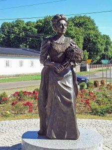 !Tipp: Herzlichen Glückwunsch, Elizabeth von Arnim! Die britische Schriftstellerin wäre heute 150 Jahre alt geworden.