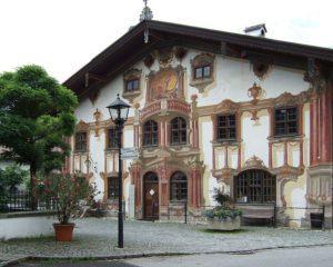 Hinterglasbilder im Pilatushaus in Oberammergau
