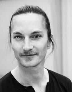 Ein Moment mit ... Tobias Roth. Ein Gespräch über die Schönheit und Leidenschaft von Lyrik